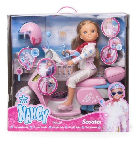 Nancy – Y Su Scooter Rosa (Famosa) 700008560