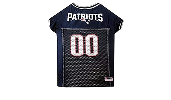 57ca81b0b Amazon.com  NFL Superbowl LI Champion New England Patriots Themed Team  Football Jersey XXL Large Dog Size