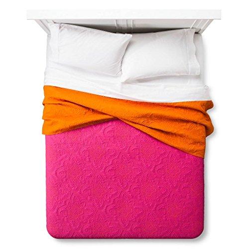 xhilaration-disco-medallion-quilt-pink-twin-twin-xl