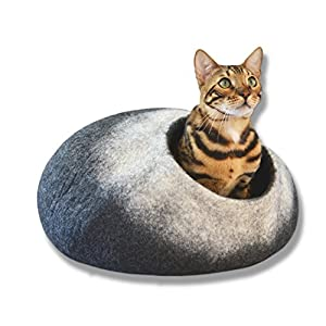 Liam & Peanut PREMIUM LARGE CAT BED - EDITION 2018 - THICK NATURAL HANDMADE 100% MERINO WOOL - for all sizes of kitties and cats