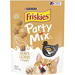 Purina Friskies Made in USA Facilities Cat Treats; Party Mix Crunch Gravylicious Chicken & Gravy Flavors - 6 oz. Bag