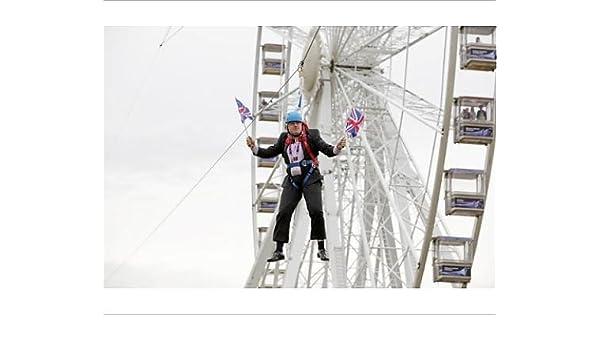 Impresión fotográfica de Boris Johnson atascado en Tirolina: Amazon.es: Hogar