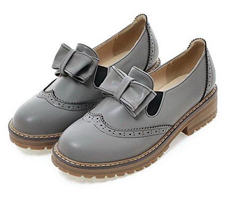 AllhqFashion Damen PU Leder Niedriger Absatz Rund Zehe Rein Ziehen auf Pumps Schuhe Grau