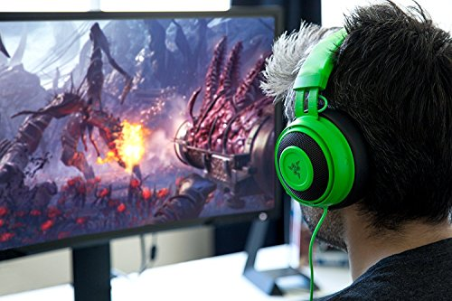 Razer Kraken Pro V2: Lightweight Aluminum Headband - Retractable Mic - In-line Remote - Gaming Headset Works With Pc, Ps4, Xbox One, Switch, & Mobile Devices - Green