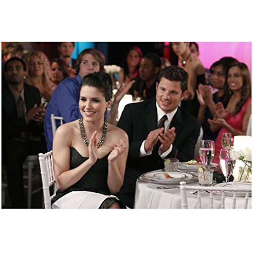 One Tree Hill Sophia Bush as Brooke applauding at table with Nick Lachey 8 x 10 Inch - Gossip Sophia Bush