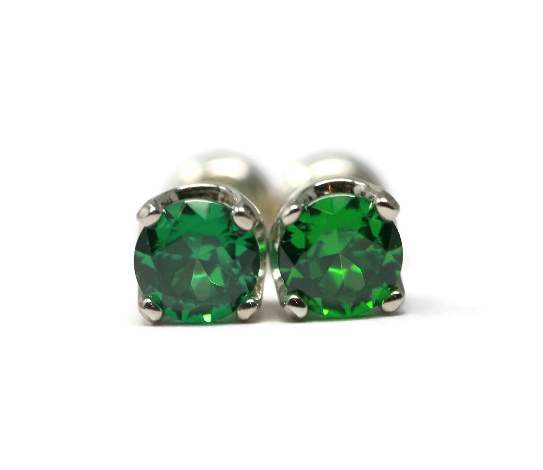 Amazon Com 5mm Emerald Green Cubic Zirconia Stud Earrings Handmade
