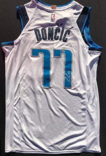 ROOKIE OF THE YEAR!!! Luka Doncic Signed DALLAS MAVERICKS Jersey #1 Beckett BAS