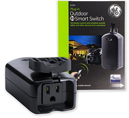 Outdoor Security Light With Outlet in US - 4