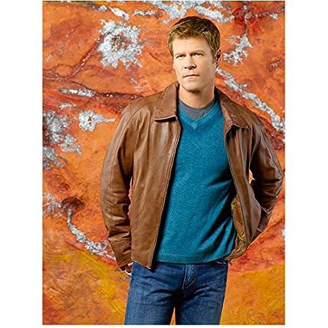 V (TV Series '09 - '11) 8x10 Photo Joel Gretsch as Father Jack