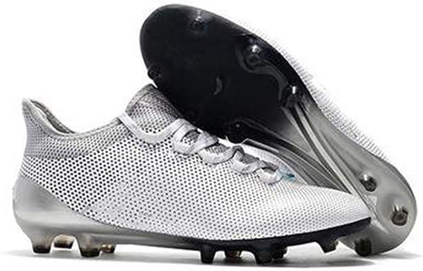 Fußballschuhe: Wer hat die ersten Stollen in die Schuhe