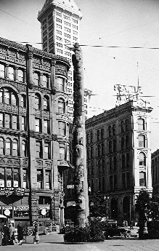 Seattle, Washington - Alaska Indian Totem Pole at Pioneer Square - Vintage Photograph (12x18 Fine Art Print, Home Wall Decor Artwork Poster)