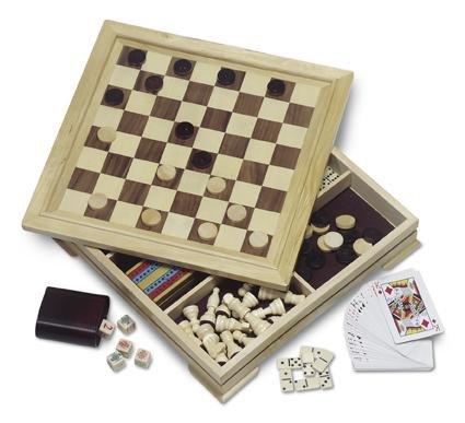 Spielset aus Holz bestehend aus Backgammon, Schach Dame, Würfel- und Kartenspiel, inklusive Figuren von noTrash2003