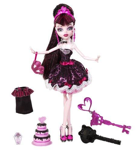 Monster High Sweet 1600 Draculaura Doll ()