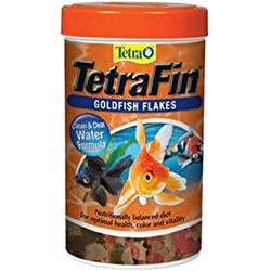 Tetra Goldfish Flakes, Clear Water Formula 2.2 Ounce - 77127
