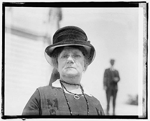 1920 Photo Batelle, Mrs. John W. suffragist and philanthropist Annie Maud Norton Batelle, widow of John Gordon Batelle. Location: Washington D.C. (Norton Ipad)