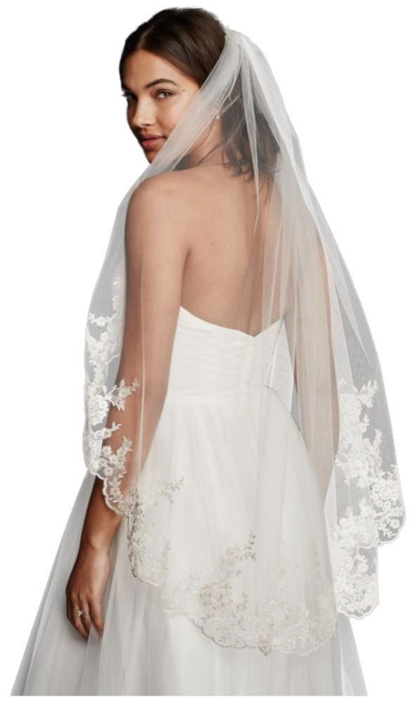 Mid Veil with Scalloped Edges and Lace Style V682, Champagne