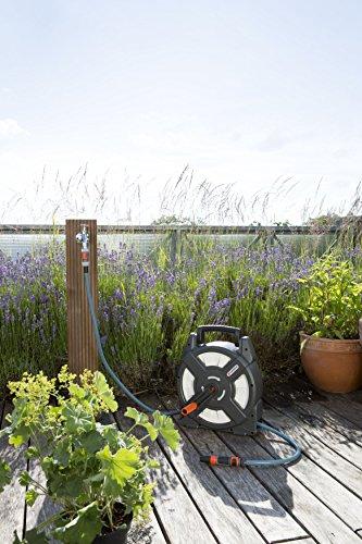 51hwZnJHjdL Gardena city gardening Terrassen-Schlauchbox 10 m: Schlauchrolle mit 10 m Schlauch, einklappbare Kurbel und Griff…
