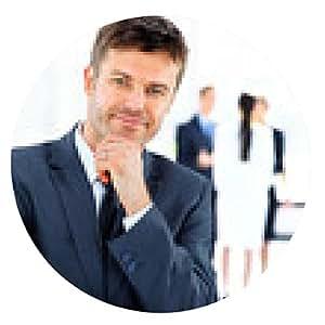 alfombrilla de ratón Retrato de joven apuesto hombre de negocios en la oficina - ronda - 20cm