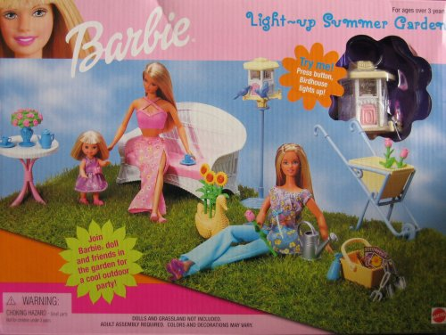 Barbie Light Up Summer Garden Playset w Light-Up Bird House (Barbie Garden)