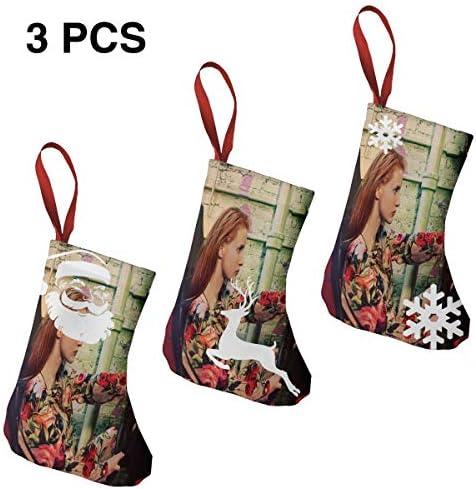 クリスマスの日の靴下 (ソックス3個)クリスマスデコレーションソックス 俳優Jessica Chastain クリスマス、ハロウィン 家庭用、ショッピングモール用、お祝いの雰囲気を加える 人気を高める、販売、プロモーション、年次式