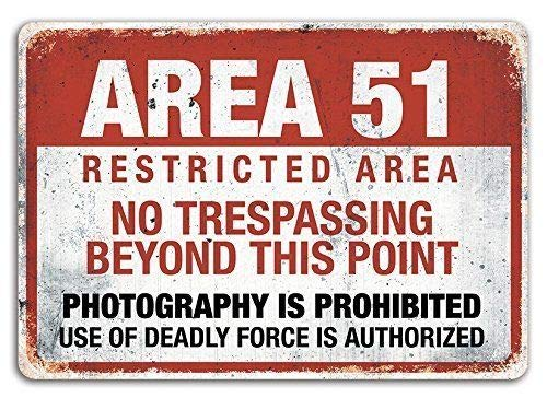 PotteLove Area 51 Targa da Parete in Metallo con Scritta in Lingua Inglese Mancave No Trespassing Alien