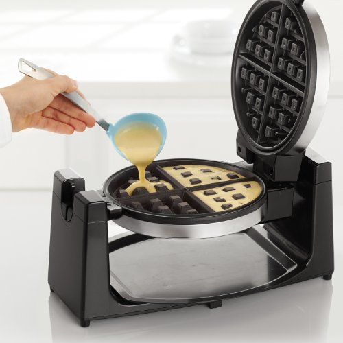 BELLA 13991 Classic Rotating Belgian Waffle Maker, Polished Stainless Steel by BELLA (Image #2)