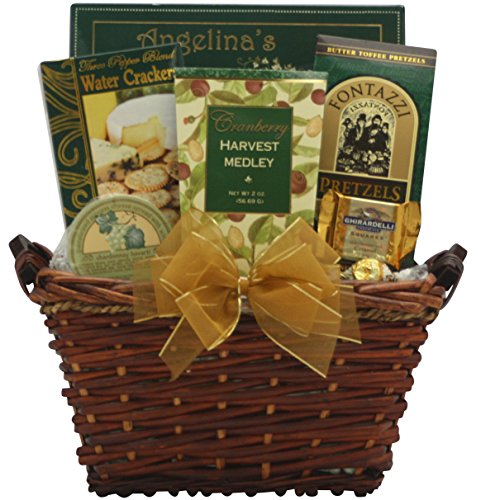 GreatArrivals Holiday Delights Gourmet Holiday Christmas Gift Basket, 4 Pound