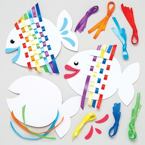 Baker Ross Rainbow Fish Weaving Kits Kids - Summer Craft Sets Children to Make (Pack of 6)]()