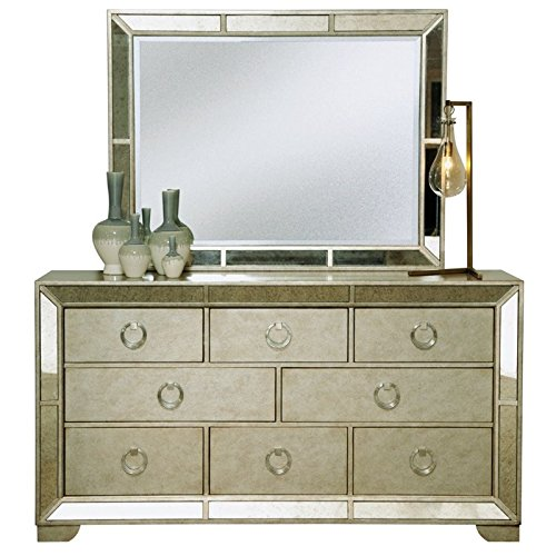 Pulaski Farrah 8 Drawer Dresser in Gold
