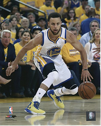 Unsigned Basketball (Stephen Curry Golden State Warriors Unsigned Licensed Basketball Photo)