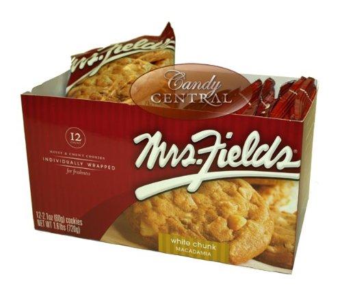 mrs-fields-white-chunk-macadamia-cookies-12ct