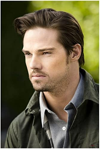 Beauty And The Beast With Jay Ryan As Alistair 8 X 10 Inch Photo At Amazon S Entertainment Collectibles Store