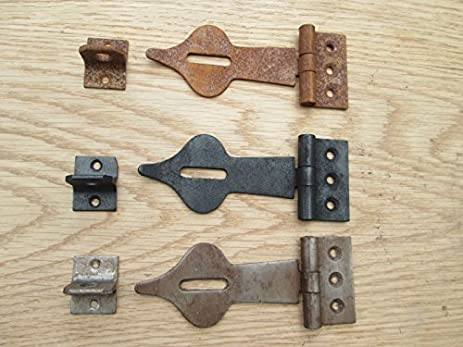 OLD VINTAGE SPEAR HEAD DECORATIVE SAFETY HASP AND STAPLE DOOR LATCH LOCK FOR & IRONMONGERY WORLD? OLD VINTAGE SPEAR HEAD DECORATIVE SAFETY HASP AND ...