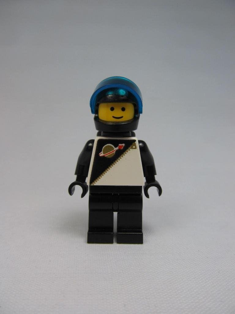 LEGO Futuron Black Suit Minifigure