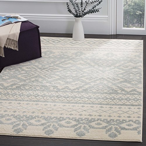 Safavieh Adirondack Collection ADR107S Ivory and Slate Rustic Bohemian Area Rug (4′ x 6′)