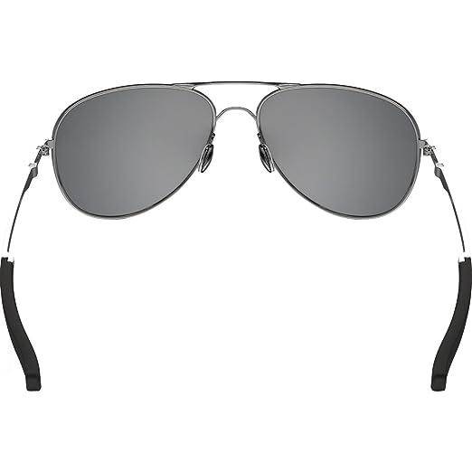 e5b20c28f7c1b Amazon.com  Oakley Elmont Round Sunglasses