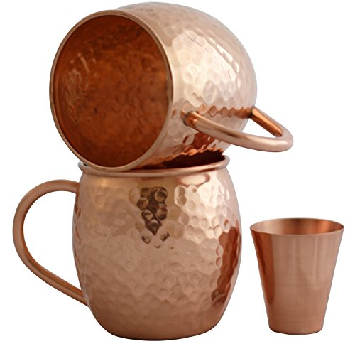 Set of 2 Moscow Mule 16-Oz Copper Mugs with Shot Glass for these Ginger Beer Moscow Mules, the perfect drink recipe for summertime camping cocktails!