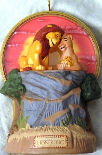 Hallmark KEEPSAKE Ornament Simba, Sarabi and Mufasa: The Lion King Light and Music MAGIC (King Lion Sarabi)