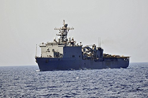 the-amphibious-dock-landing-ship-uss-whidbey-island-lsd-41-is-underway-in-the-mediterranean-sea