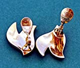 chaujewl Vintage Signed Monet Goldtone Leaves Earrings Leaf Shape Clip-On Excellent Condition