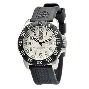 Luminox men 39 s 3157 navy seal luminescent watch luminox watches for Luminescence watches