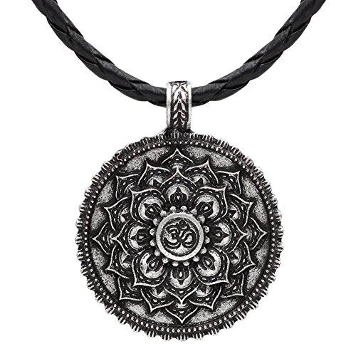 c8bcecc6deb5 Collar vintage de plata envejecida con diseño de flor de loto y mantra Om De  alta