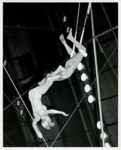 Circus Trapeze Garry and Kaye Scheiman Original 8x10 Photo #U2102