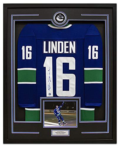 AJ Sports World Trevor Linden Vancouver Canucks Signed CCM Mass 35x43 Framed Hockey Jersey ()
