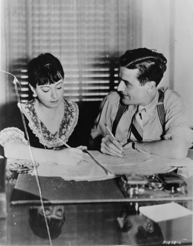 1934 Writer Dorothy Parker and husband, actor/author Alan Campbell, collabora g5