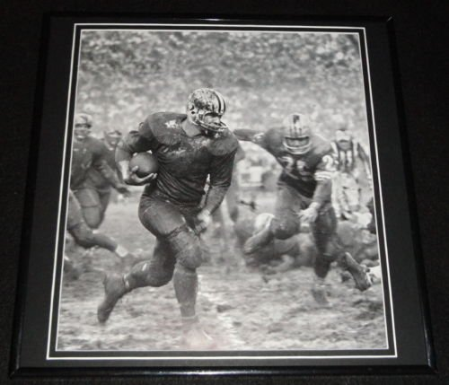 Jim Taylor Muddy Framed 12x12 Poster Photo Green Bay Packers ()