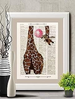 Stampa Giraffa con bublegum su pagina di libro antico