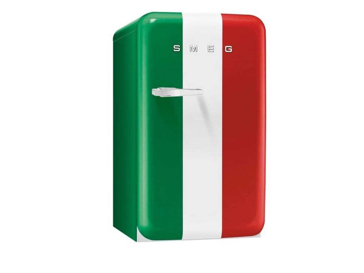 Smeg Kühlschrank Italia : Smeg fab10hrit stand flaschenkühlschrank italien flagge tür rechts