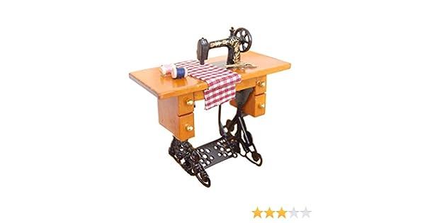 1:12 Vintage miniatura Dollhouse Mini máquina de coser muebles con muñecas de tela decoración de la casa: Amazon.es: Hogar