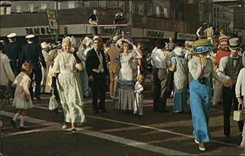 Klondike Days - Crowds in Costume Edmonton, Alberta Canada Original Vintage ()